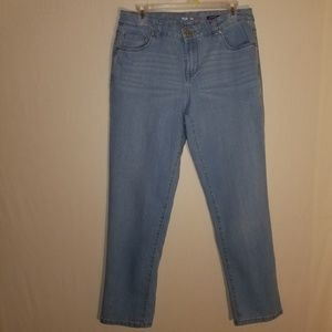 Style and co boyfriend size 10 light blue jeans